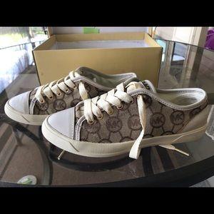 MK sneaker